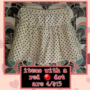 🔴 1989 Place polka dot skirt